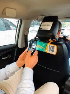 paga il taxi senza contanti